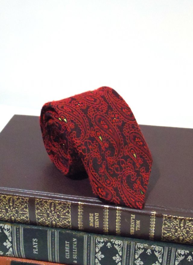 60's Vintage Skinny Neck Tie SUPERBA<img class='new_mark_img2' src='https://img.shop-pro.jp/img/new/icons8.gif' style='border:none;display:inline;margin:0px;padding:0px;width:auto;' />