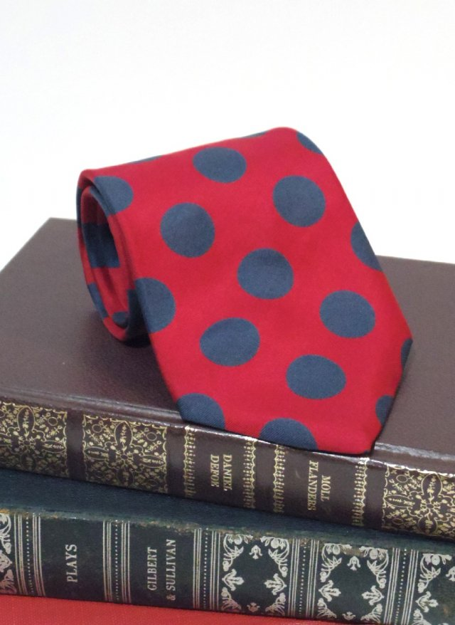 Vintage Silk Neck Tie BEAT PULITZER<img class='new_mark_img2' src='https://img.shop-pro.jp/img/new/icons8.gif' style='border:none;display:inline;margin:0px;padding:0px;width:auto;' />