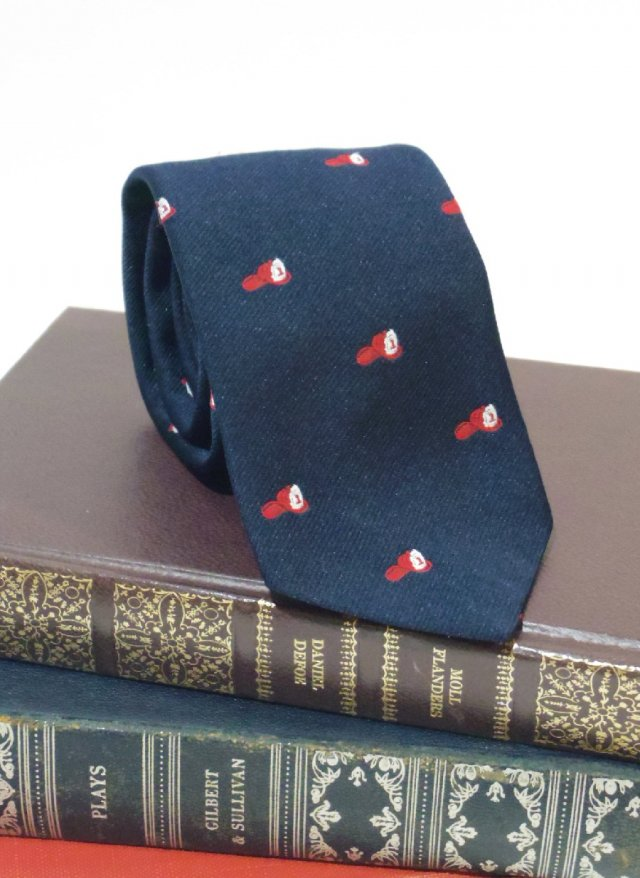 Vintage UK Crest Neck Tie <img class='new_mark_img2' src='https://img.shop-pro.jp/img/new/icons8.gif' style='border:none;display:inline;margin:0px;padding:0px;width:auto;' />