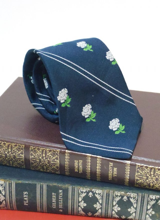 Vintage USA Crest Neck Tie Prince Consort<img class='new_mark_img2' src='https://img.shop-pro.jp/img/new/icons8.gif' style='border:none;display:inline;margin:0px;padding:0px;width:auto;' />
