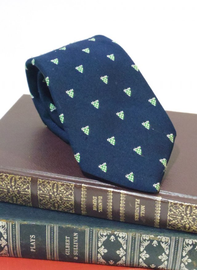 Vintage USA Crest Neck Tie BILL BLASS Hughes & Hatcher<img class='new_mark_img2' src='https://img.shop-pro.jp/img/new/icons8.gif' style='border:none;display:inline;margin:0px;padding:0px;width:auto;' />