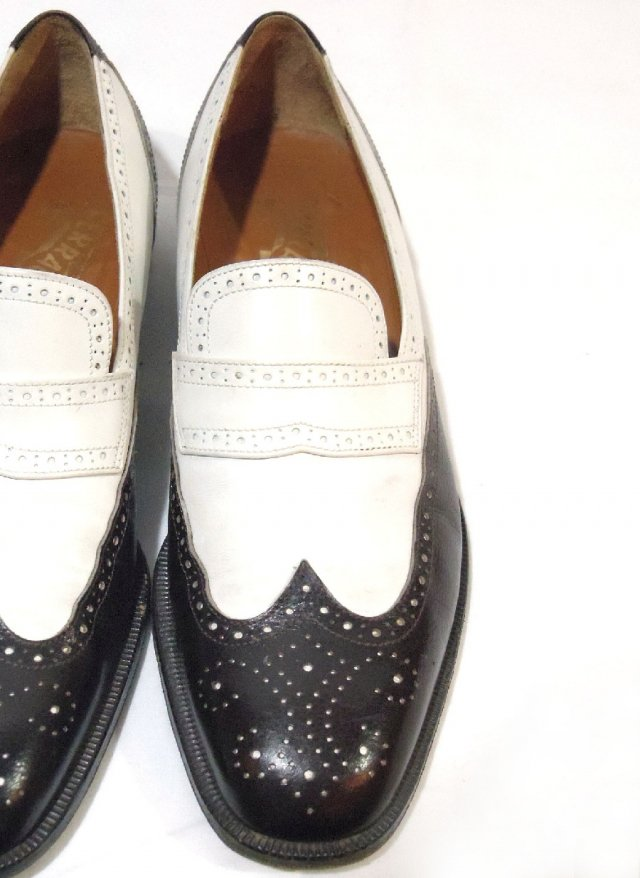 Vintage ITA【Salvatore Ferragamo】Slip-on Wingtip Leather Shoes<img class='new_mark_img2' src='//img.shop-pro.jp/img/new/icons8.gif' style='border:none;display:inline;margin:0px;padding:0px;width:auto;' />
