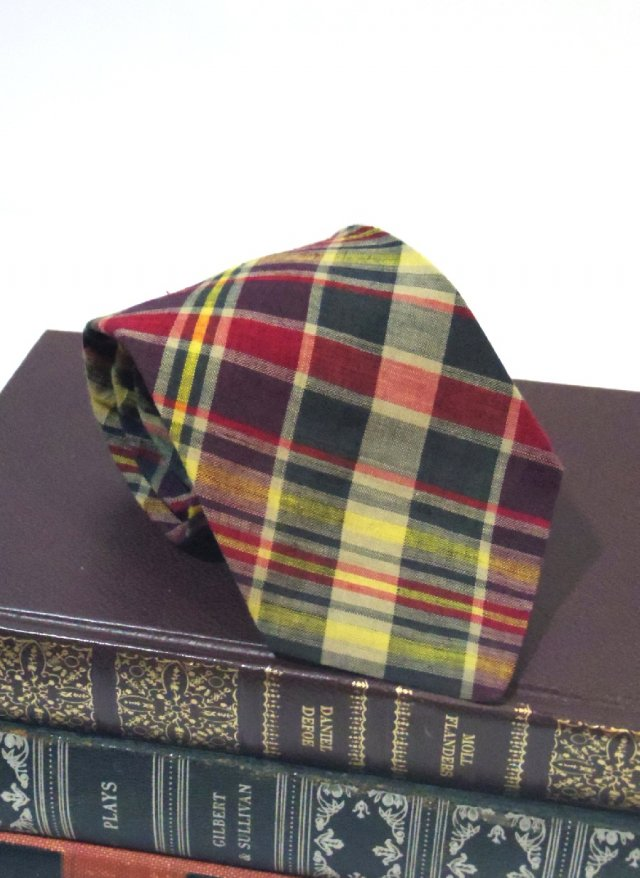 Vintage India Madras Check Neck Tie rooster<img class='new_mark_img2' src='https://img.shop-pro.jp/img/new/icons8.gif' style='border:none;display:inline;margin:0px;padding:0px;width:auto;' />