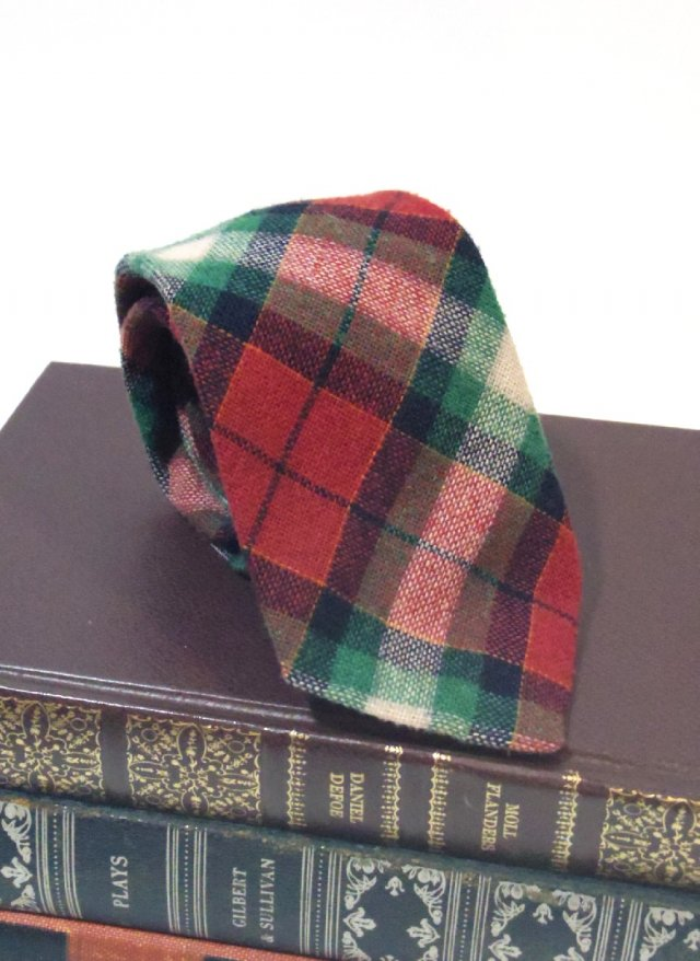 Vintage Tartan Check Neck Tie ACT5<img class='new_mark_img2' src='https://img.shop-pro.jp/img/new/icons8.gif' style='border:none;display:inline;margin:0px;padding:0px;width:auto;' />