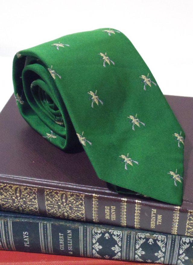 Vintage UK Crest Neck Tie Jos. A. Bank<img class='new_mark_img2' src='https://img.shop-pro.jp/img/new/icons8.gif' style='border:none;display:inline;margin:0px;padding:0px;width:auto;' />