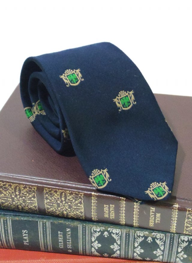 Vintage Crest Neck Tie  DESIGNER COLLECTION by Regal<img class='new_mark_img2' src='https://img.shop-pro.jp/img/new/icons8.gif' style='border:none;display:inline;margin:0px;padding:0px;width:auto;' />