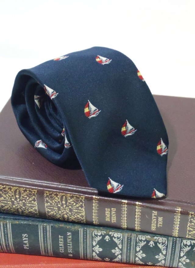 Vintage UK Crest Neck Tie The President<img class='new_mark_img2' src='https://img.shop-pro.jp/img/new/icons8.gif' style='border:none;display:inline;margin:0px;padding:0px;width:auto;' />