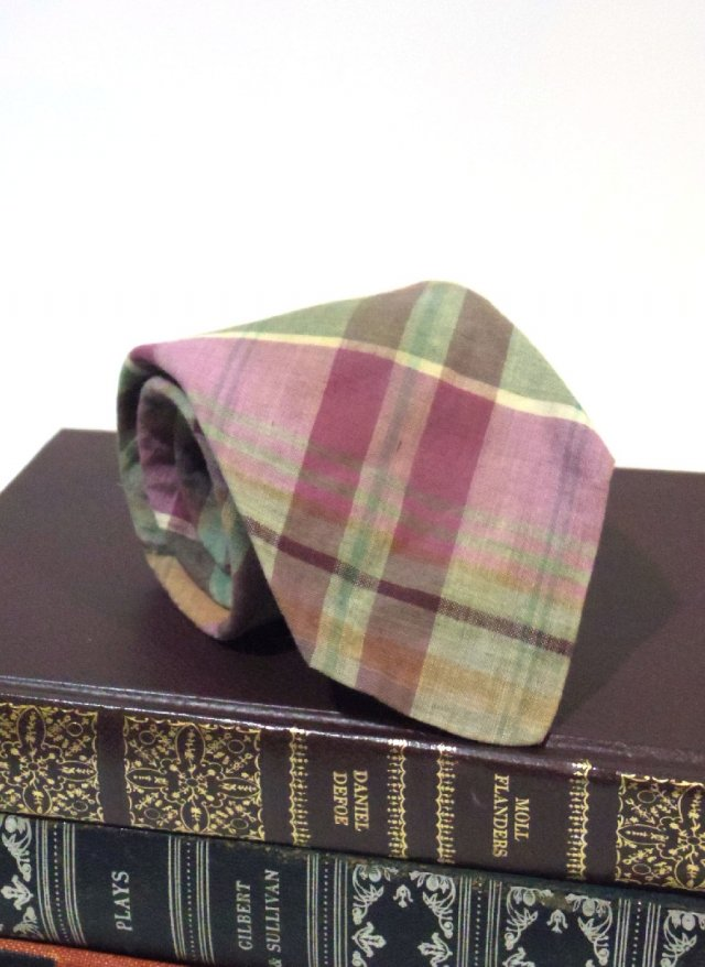 Vintage Madras Check Neck Tie rooster <img class='new_mark_img2' src='https://img.shop-pro.jp/img/new/icons8.gif' style='border:none;display:inline;margin:0px;padding:0px;width:auto;' />