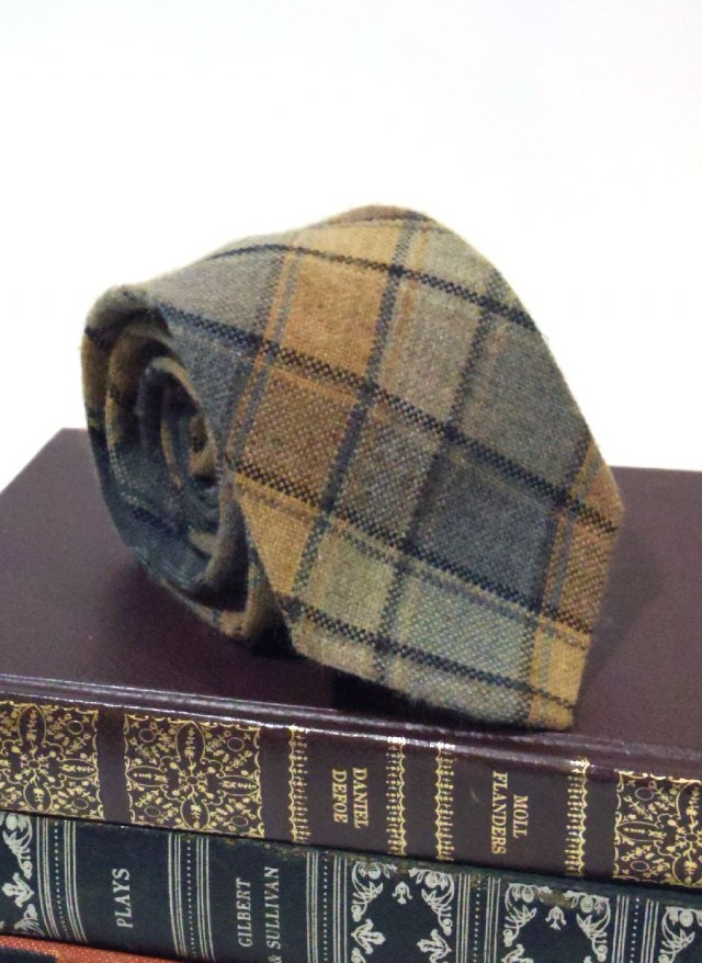 Vintage Acrylic Check Neck Tie GAINSBOROUGH<img class='new_mark_img2' src='https://img.shop-pro.jp/img/new/icons8.gif' style='border:none;display:inline;margin:0px;padding:0px;width:auto;' />