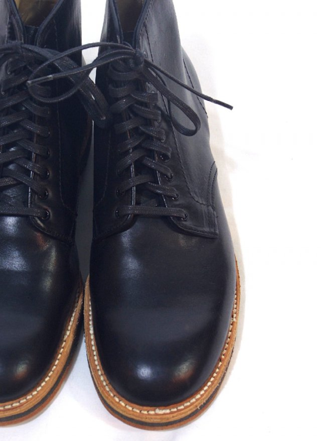 NEW USA【Alden】9-EYE PLAIN TOE BOOT N5801<img class='new_mark_img2' src='https://img.shop-pro.jp/img/new/icons8.gif' style='border:none;display:inline;margin:0px;padding:0px;width:auto;' />