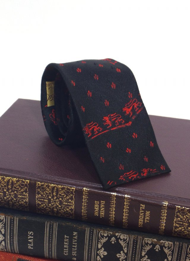 60's Vintage Skinny Square Neck Tie Rion<img class='new_mark_img2' src='https://img.shop-pro.jp/img/new/icons8.gif' style='border:none;display:inline;margin:0px;padding:0px;width:auto;' />