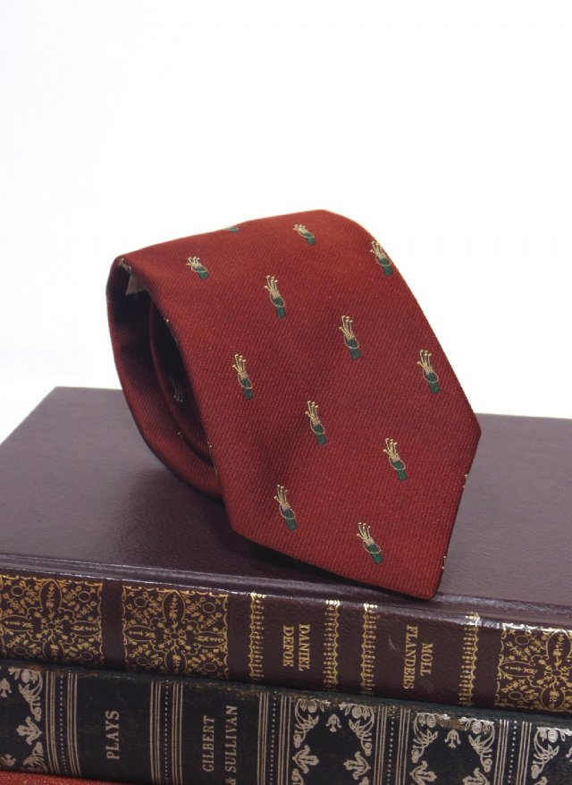 UK Vintage Crest Neck Tie A.O.WHITE<img class='new_mark_img2' src='https://img.shop-pro.jp/img/new/icons8.gif' style='border:none;display:inline;margin:0px;padding:0px;width:auto;' />