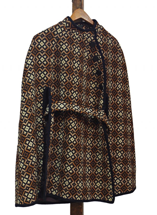 UK 60's Vintage Welsh Wool Tapestry Cape #0034<img class='new_mark_img2' src='https://img.shop-pro.jp/img/new/icons8.gif' style='border:none;display:inline;margin:0px;padding:0px;width:auto;' />