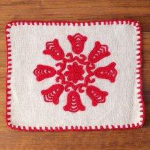 ルーマニア イーラーショシュ刺繍のクロスS スクエア赤A