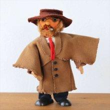 ドイツ 不思議なおじさんの人形 タバコとメガネ