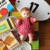 東ドイツ(DDR) ARI ラバーベビードール ピンクのセーター