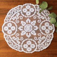 アンティーク クロッシェレースドイリー お花と渦巻き