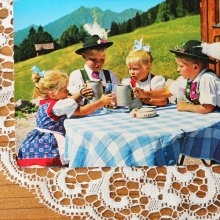 オーストリアのポストカード チロリアンの子供達01