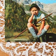 オーストリアのポストカード チロリアンの男の子