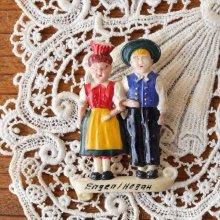 ドイツ ヴィンテージブローチ 民族衣装のカップル