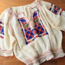 チェコスロバキア時代 シルクの立体刺繍ブラウスCR
