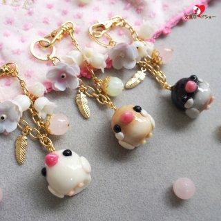 【大人気!】白・シナモン・桜文鳥♪Happi Happiハピハピ「ピーちゃんバッグチャーム・文鳥とお花×1個」【ピンクの天然石*ローズクォーツ】