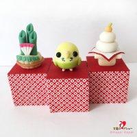 【ハンドメイド】小鳥のインテリア♪Happi Happiハピハピ「迎春・黄緑セキセイインコ」お正月飾り