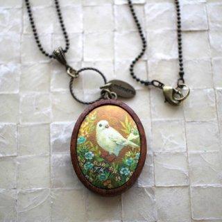 【残り僅か!】アクセサリー作家 mimeruミメル 身につける絵画【オレンジ背景の鳥×濃いブラウンの木枠・縦3.5cm】小鳥のネックレス