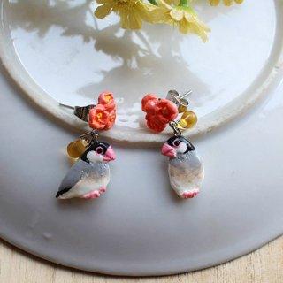 ミニチュア作家 aietta 【桜文鳥】ピアスorイヤリング*花鳥*オレンジの花とチェコガラスの雫