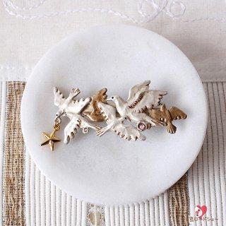 【装苑掲載】Palnart Poc【トラファルガー】 白鳩の群れのバレッタ