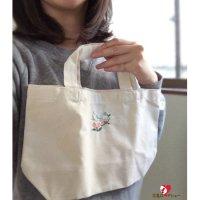 【ハンドメイド】ARAUCANA・小鳥刺繍ミニトートバッグ【水色インコ】