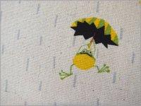 【綿麻キャンバス 生地】雨降りカエル*動物柄*コットンリネン*E1