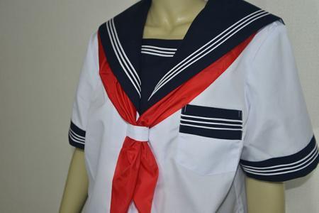 セーラー服の襟・ライン・スカーフとスカーフ・リボンの結び方