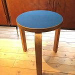 <img class='new_mark_img1' src='//img.shop-pro.jp/img/new/icons5.gif' style='border:none;display:inline;margin:0px;padding:0px;width:auto;' />Alvar Aalto/アルバー・アアルト Stool 60 リノリウム Blue 60's-70's