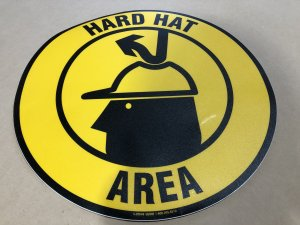 <img class='new_mark_img1' src='https://img.shop-pro.jp/img/new/icons24.gif' style='border:none;display:inline;margin:0px;padding:0px;width:auto;' />Anti-Slip Floor Sign -HARD HAT  AREA