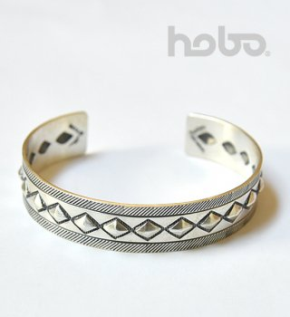 <img class='new_mark_img1' src='//img.shop-pro.jp/img/new/icons13.gif' style='border:none;display:inline;margin:0px;padding:0px;width:auto;' />【hobo】 ホーボー Cobblestone Silver Bracelet Narrow by STANLEY PARKER