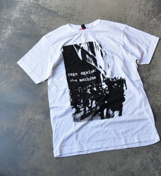 <img class='new_mark_img1' src='//img.shop-pro.jp/img/new/icons13.gif' style='border:none;display:inline;margin:0px;padding:0px;width:auto;' />【Band Tee】Rage Against The Machine ゛Riot゛※メール便可