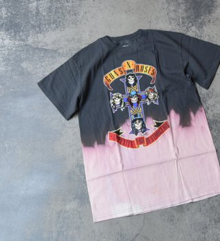 <img class='new_mark_img1' src='//img.shop-pro.jp/img/new/icons13.gif' style='border:none;display:inline;margin:0px;padding:0px;width:auto;' />【Band Tee】Guns 'n' Roses゛Dyed print Tee゛※メール便可