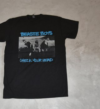 <img class='new_mark_img1' src='https://img.shop-pro.jp/img/new/icons13.gif' style='border:none;display:inline;margin:0px;padding:0px;width:auto;' />【Band Tee】BEASTIE BOYS