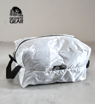 "<img class='new_mark_img1' src='https://img.shop-pro.jp/img/new/icons13.gif' style='border:none;display:inline;margin:0px;padding:0px;width:auto;' />【GRANITE GEAR】グラナイトギア White Air Zipsack 9L ""White""  ※ネコポス可"