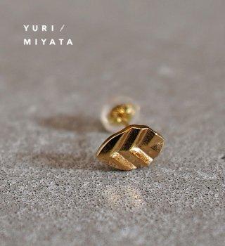 【YURI/MIYATA】ミヤタ ユリ Pierce Leaf / Stripe Gold