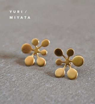 【YURI/MIYATA】ミヤタ ユリ Pierce Leaf /Circle L Gold 02