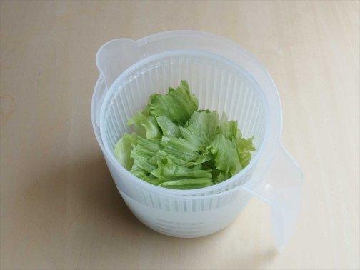 台所で:サラダドライヤー