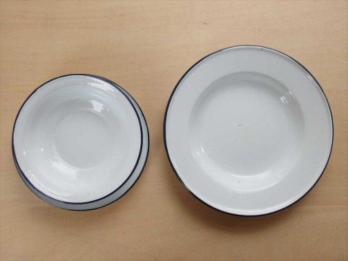 飲食に:ホーロー皿