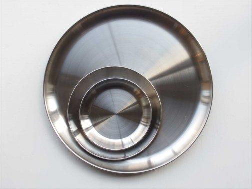 飲食に:金属皿
