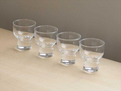飲食に:清酒グラス
