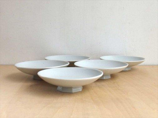 飲食に:八角高台小皿