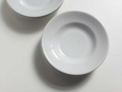 白い業務用皿