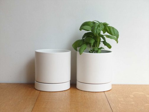 <img class='new_mark_img1' src='https://img.shop-pro.jp/img/new/icons1.gif' style='border:none;display:inline;margin:0px;padding:0px;width:auto;' />white flower pot