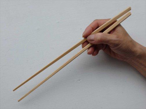 台所で:四角竹菜箸